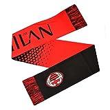 Il calcio sciarpa Fade è progettato in colori del club con cucito nappe a ciascuna estremità. La sciarpa presenta il club stemma su molto fine e il nome su entrambi i lati della sciarpa. È una sciarpa calibro 10Realizzato in tessuto 100% acr...