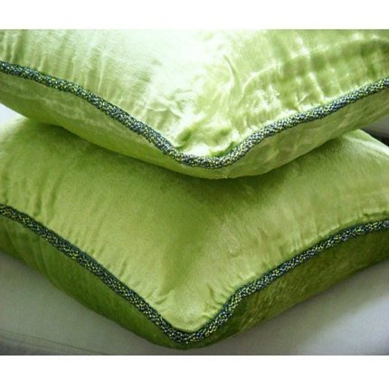 (Green Lime - 40 x 40 cm Ein kalkgrün Samt Kissenbezug mit handfertigtem Perlenrand)