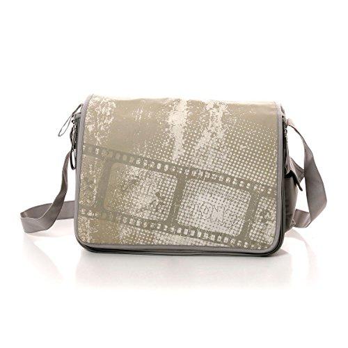 Preisvergleich Produktbild Osann Wickeltasche Pflegetasche Disney Mickey Movie beige braun, mit mobiler Wickelunterlage und Schnullertasche