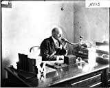 POSTER Dean Harvey C. Minnich talking into Dictaphone 1912 Miami Wall Art Print A3 replica