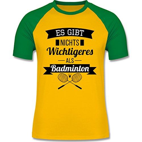 Sonstige Sportarten - Es gibt nichts Wichtigeres als Badminton - zweifarbiges Baseballshirt für Männer Gelb/Grün