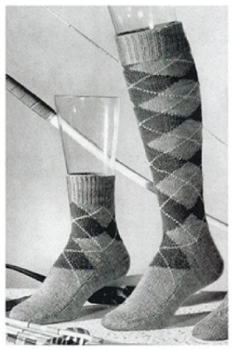 #1446 HINSDALE LONG AND SHORT ARGYLE SOCKS VINTAGE KNITTING PATTERN (English Edition) - Argyle Shorts