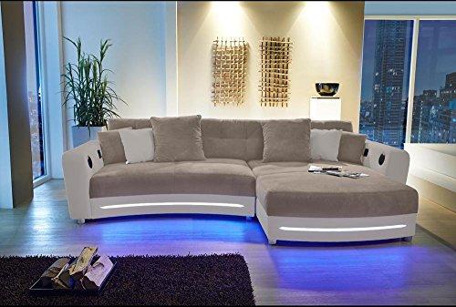lifestyle4living Ecksofa in Beige (Kunstleder und Microfaserstoff) inkl. Multimediapaket   Sofa hat 6 Kissen   Funktionssofa mit LED-Beleuchtung