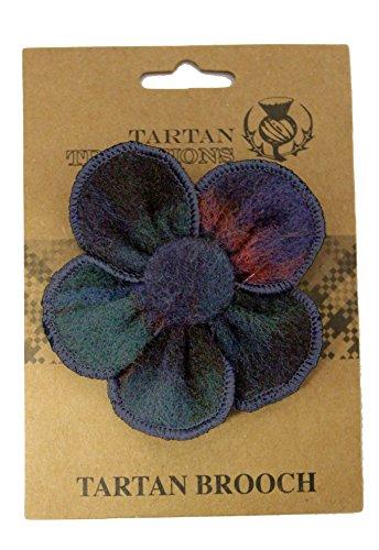 tartan-traditions-campbell-of-cawdor-tartan-flower-brooch