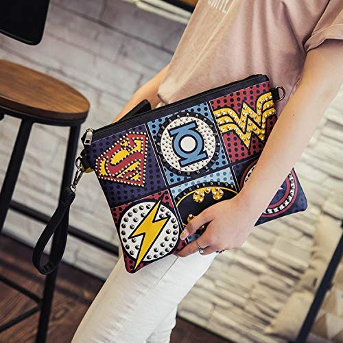 Yvonnezhang Unisex Marvel Clutch Fashion Retro PU Leder Supercool Superheld Avengers Rivet Gothic Punk Handliche Handgelenk Clutch Bag