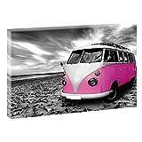 Strand mit Retro Bulli | Panoramabild im XXL Format | Poster | Wandbild | Poster | Fotografie | Trendiger Kunstdruck auf Leinwand | Verschiedene Farben und Größen (120 cm x 80 cm, Schwarz-Weiß / Pink)