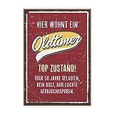 Holzschild mit Spruch – OLDTIMER – im Vintage-Look mit Zitat als Geschenk und Dekoration zum Thema Geburtstag, 50ster und Jubiläum von TypeStoff (19,5 x 28,2 cm)