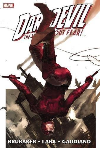Daredevil by Ed Brubaker & Michael Lark Omnibus (Daredevil Omnibus)