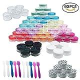 Woohome 60 Pz 5 G Bote de Plástico Tarro Vacío Contenedor con Tapa y 10 Pz Minirremolques, Maquillaje de Plástico Tarros para Cremas Muestra de Almacenamiento (Redondo, Multicolor)