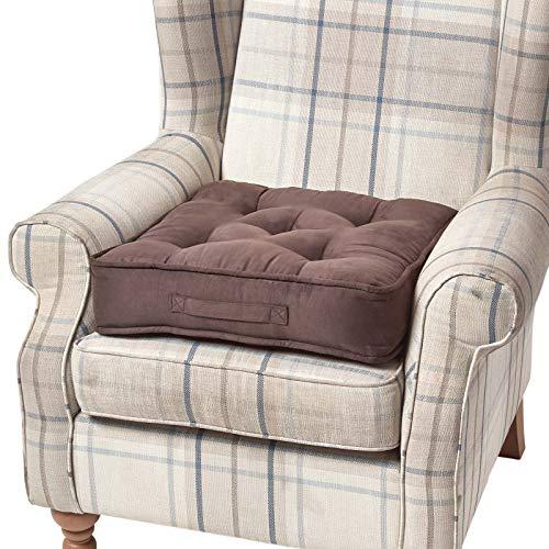 Homescapes extrahohes Sitzkissen orthopädisch Sitzerhöhung Aufstehhilfe ca. 50 x 50 x 10 cm, Bezug aus hochwertigem Velours, 100% Polyester Füllung, uni schokobraun -