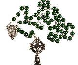 Rosenkranz. Irische grün Rosenkranz mit Shamrock-Impressum und Keltenkreuz