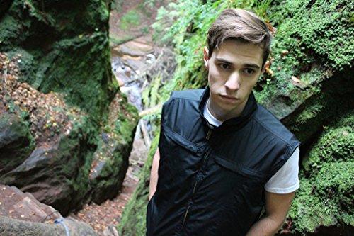AyeGear V26 Vest avec 26 poches, Poches doubles pour iPad / Tablet, Résistant à l'eau, Gilet Léger Noir