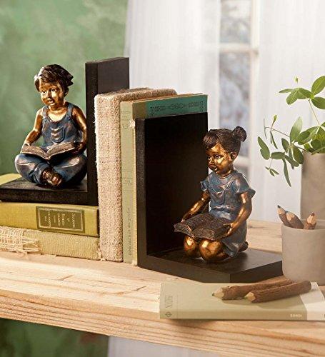 Wetter-sitz (Wind & Wetter sitzen Kinder Buchstützen–in Kunstharz gegossen–Detaillierte Skulptur–Holzsockel–5½ l x 4¼ W x 6¾ H Zoll)