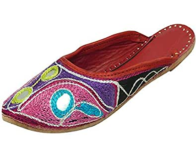 Ridhi Sidhi Rajasthani Embroidered Women's Open Jutti Flats
