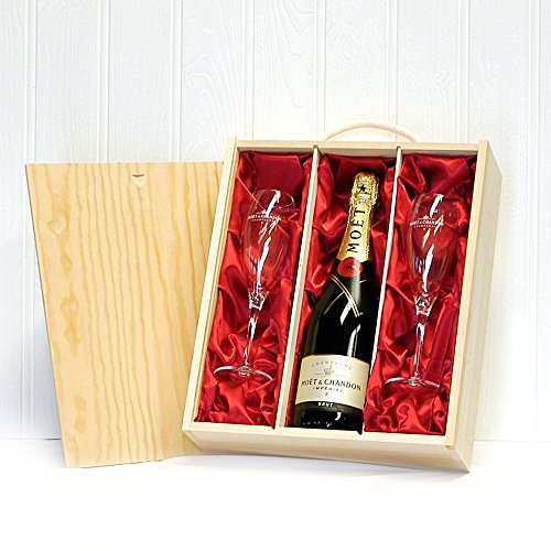 750ml-moet-et-chandon-champagne-with-2-x-moet-branded-champagne-flutes-in-a-wooden-presentation-gift