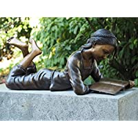 Bronzefigur 'Liegendes Mädchen Babs mit Buch'