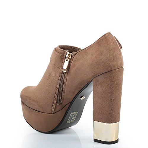 Ideal Shoes-Scarpette per talloni spesso, morbido al tatto, con accent Stida metallico Beige (Beige)