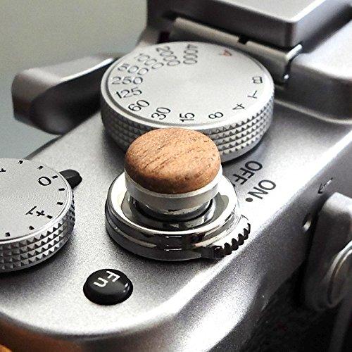 Auslöseknopf aus Aluminium/Holz - Nussbaum (flach, 10mm) für Leica M-Serie, Fuji X100, X100S, X100T, X100F, X10, X20, X30, X-T2, X-T10, X-T20, X-Pro1, X-Pro2, X-E1, X-E2, X-E2S und die meisten Kameras mit Drahtauslöser-Gewinde, innerhalb von 24 Stunden versandbereit -