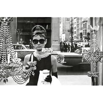 2a74789df1 Audrey Hepburn - Breakfast At Tiffanys - Maxi Poster - 61cm x 91.5cm ...