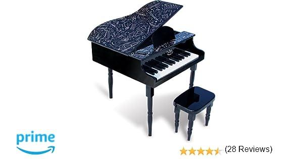 Sgabello da pianoforte in inglese: moderno nuovo appartamento in una