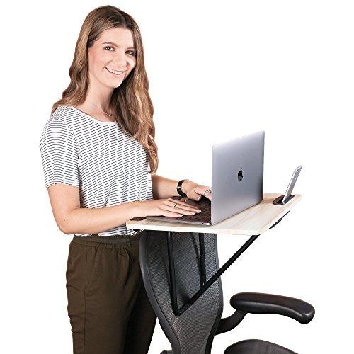 Wuteku Tragbarer Stehstuhl Schreibtisch | Perfekt für den Laptop-Einsatz | Leicht auf Stuhl montieren | Passt zu jeder Stuhlgröße und -art | Voll einstellbares System | Telefon oder Tablet-Buchse