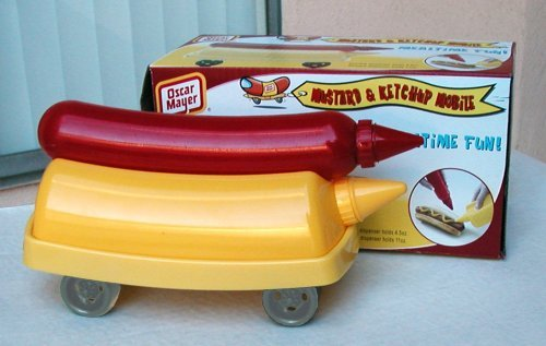oscar-mayer-mustard-and-ketchup-wienermobile