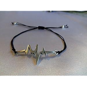 Herzfrequenz Armband / verschiedene Farben / Macramee Macramé Arm Band / Herzschlag Symbol für Leben , Liebe und Gesundheit