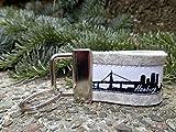 Schlüsselanhänger Taschenanhänger Filz hellgrau Hamburg Skyline schwarz weiß!