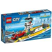 Prendi il Traghetto per una nuova avventura!Preparati per un'altra divertente giornata a LEGO® City! Salta in auto e recati al porto. Abbassa il cancelletto, parcheggia l'auto sul traghetto e quindi aiuta il capitano a pilotare l'imbarcazione. Prend...