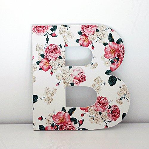Letras decorativas B con frontal de flores rosas. Altura 30 cms