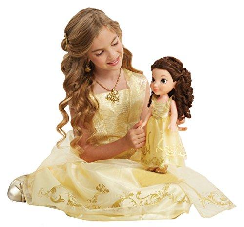 , Belle Puppe im Ballkleid ()