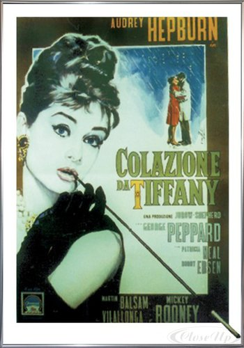 Close Up Breakfast at Tiffany's Poster (101x71 cm) gerahmt in: Rahmen Silber