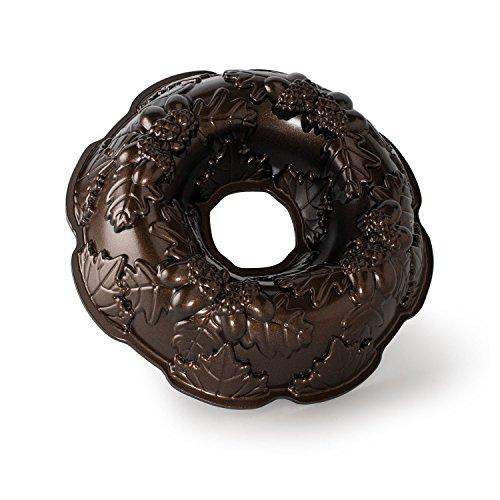 Nordicware 82348 - Molde para tarta en forma de corona de otoño width=
