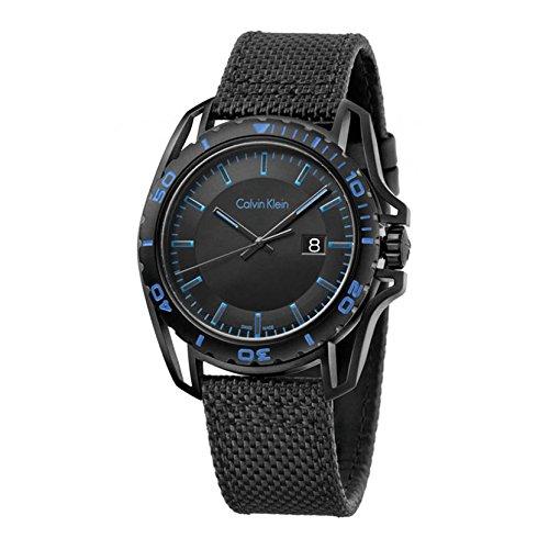 Calvin Klein pour homme 'Earth' All Black Watch–PVD noir en acier inoxydable avec tissu Noir Bracelet cuir–Swiss Made Date Cadran rotatif à mouvement à quartz analogique–montres de Calvin Klein pour homme K5y31yb1