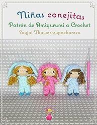 Patrón de ganchillo para crear pequeñas muñecas.Medidas: La muñeca tiene una altura de 9 cm.