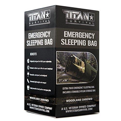Titan extra dicker Notfall-Schlafsack aus Mylar, entworfen für NASA-Weltraum-Exploration und Wärmespeicherung. Perfekt für Survival-Kits und Go-Bags. Inklusive Nylon-Beutel mit Kordelzug und eBooks. - Kids Camo Schlafsack