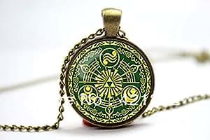EPOCH Legend Of Zelda Royaume d'Hyrule portail temps Historia EMBLEME Inspired Collier en pendentif Cabochon en verre forme de dôme