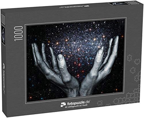 Puzzle 1000 Teile Gottes Hände halten eine Sternengalaxie im Weltraum - Klassische Puzzle, 1000 / 200 / 2000 Teile, edle Motiv-Schachtel, Fotopuzzle-Kollektion 'Kunst'