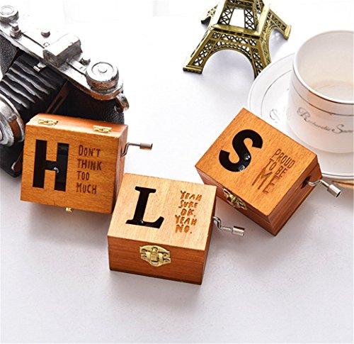 Vintage Musik Box, moonvvin Holz geschnitzt Personalisieren Buchstaben Hand gekröpft Spieluhr Geschenk für Weihnachten Valentinstag -