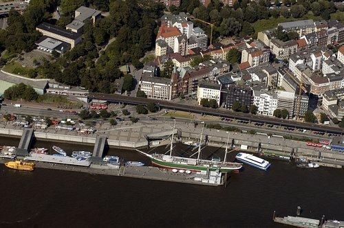 MF Matthias Friedel - Luftbildfotografie Luftbild von Johannisbollwerk in Neustadt (Hamburg), aufgenommen am 09.08.04 um 15:35 Uhr, Bildnummer: 3087-31, Auflösung: 3000x2000px = 6MP - Fotoabzug 50x75cm
