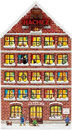 Hachez Adventskalender in Form eines Hauses mit Pralinen und Chocoladen gefüllt