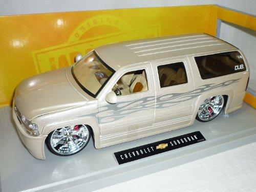 Jada Chevrolet Chevy Suburban Weiss Tuning 1/18 Modellauto Modell Auto
