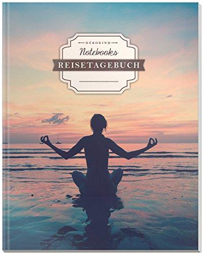 DÉKOKIND Reisenotizbuch zum Selberschreiben   DIN A4, 100+ Seiten, Register, Vintage Softcover   Perfekt als Abschiedsgeschenk   Motiv: Yogaübung