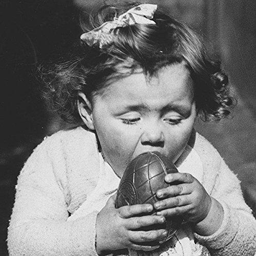 Karte Schwarz Und Weiß (Schwarz & Weiß Girl mit Ei Ostern Karte)