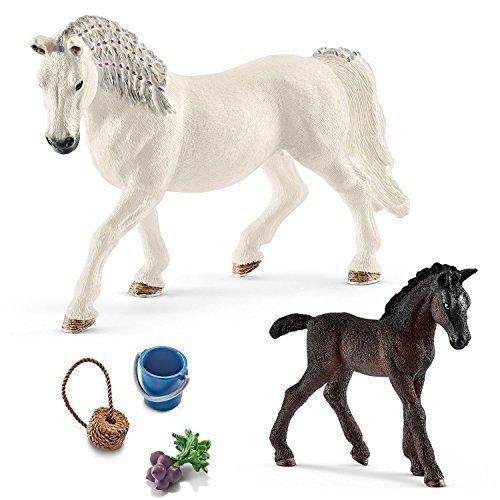 Schleich Horse Club Spiel-Set Neuheiten 2017 - Lippizaner Familie - Stute 13819 und Fohlen 13820 mit 42196 Pferdefutter