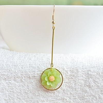 une paire Vert Résine Fleur Bâtons Rond Géométrie Longue Plaqué or Boucles d'oreilles