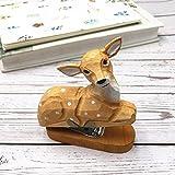 DCDZ Forme Animale Mignon Mini Agrafeuses, 15 Feuilles Capacité, Sculpture en Bois, Créatif et Pratique (Couleur : Young Deer)