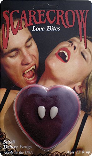 Scarecrow Love Bite Fangs in Love Heart Display (Halloween Einfache Machen Zu Kostüm Ideen)