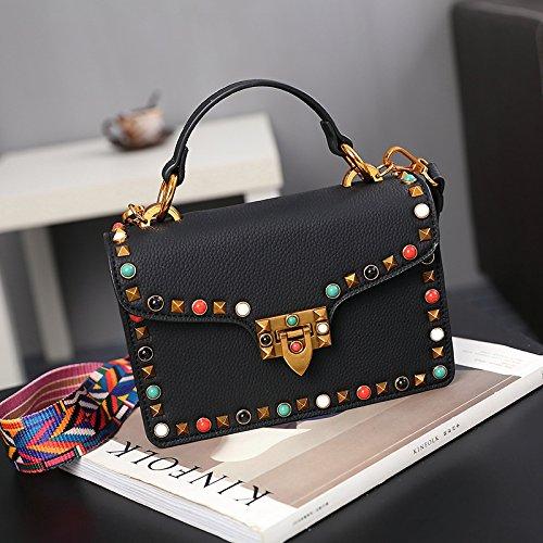 e675a73b205e3 Breite Schulter Nieten kleiner Platz der Tasche Frauen Handtasche Einfache  Fashion Bag c