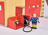 Simba 109258282 - Feuerwehrmann Sam Neue Feuerwehrstation mit Steele Figur / Zum Aufklappen / Drehscheibe für Jupiter / Mit Licht und Sound / 41x33cm / 2 Tore zum Öffnen Test